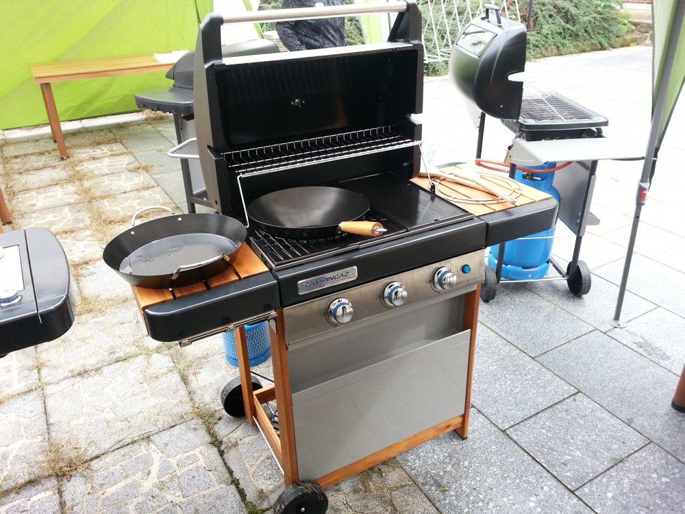 Recenze plynového grilu Campingaz 3 Series Woody LX