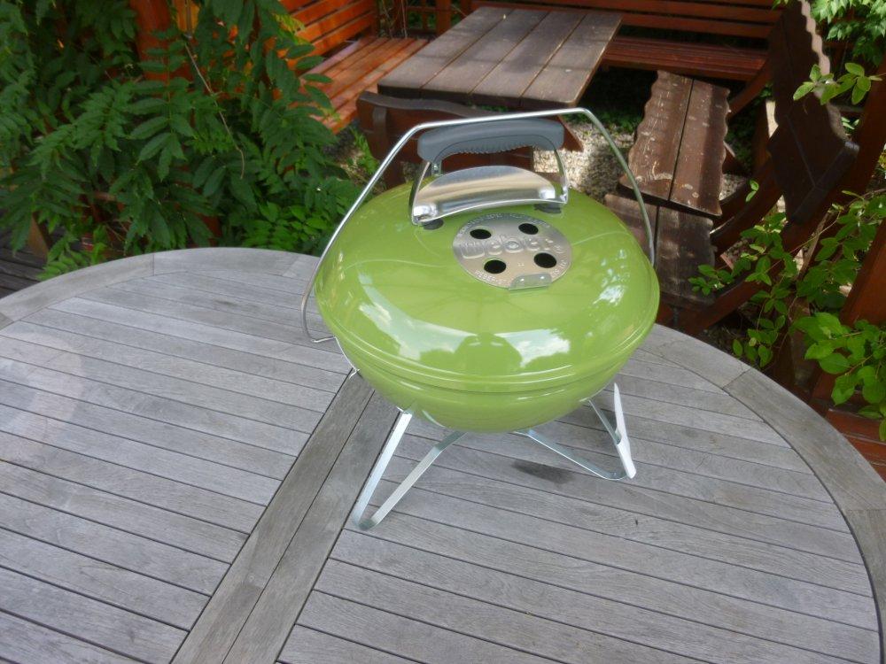 Recenze grilu na dřevěné uhlí Weber Smokey Joe Premium