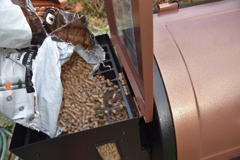 Jak skladovat grilovací pelety